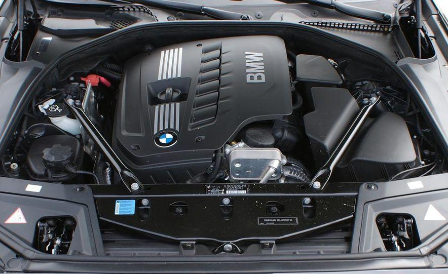 2011 BMW 528i - Slide 10