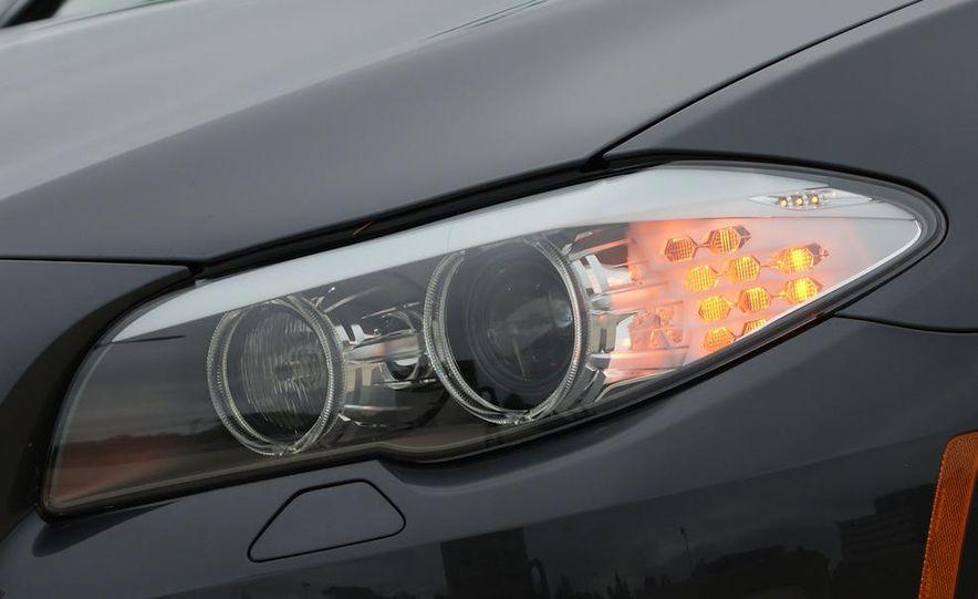 2011 BMW 528i - Slide 6