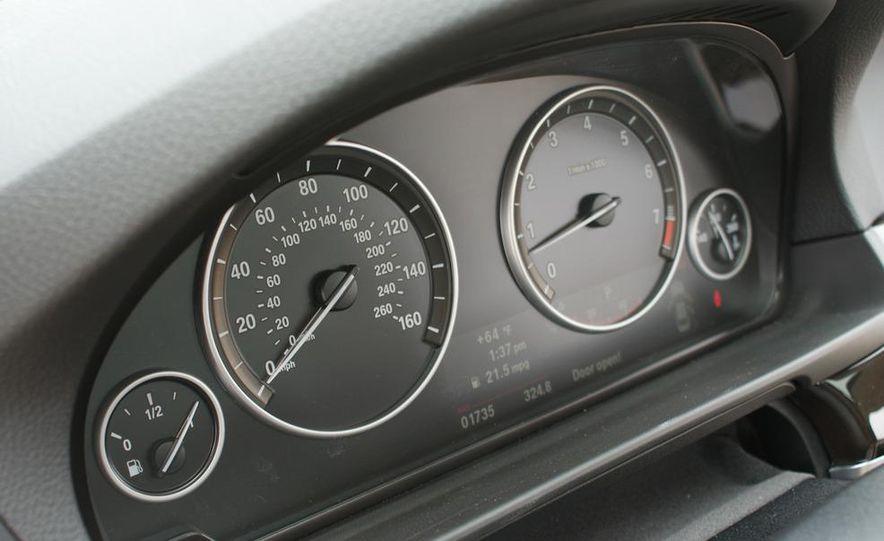 2011 BMW 528i - Slide 18