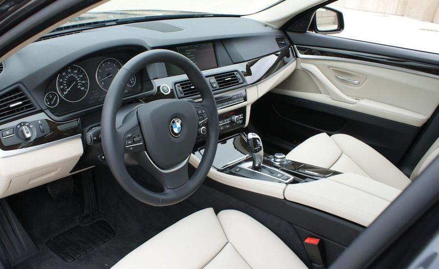 2011 BMW 528i - Slide 14