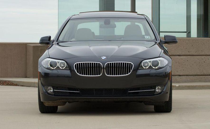2011 BMW 528i - Slide 4