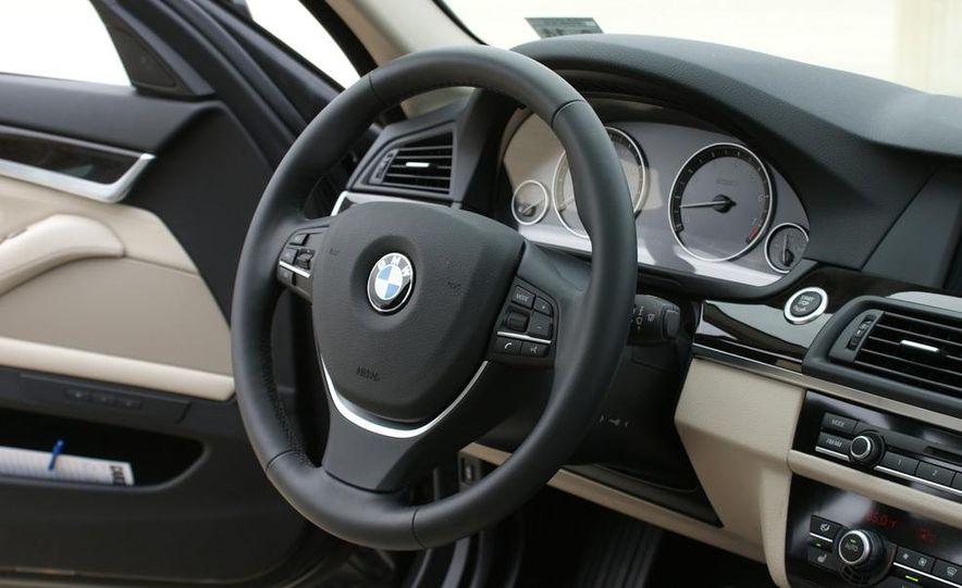 2011 BMW 528i - Slide 17