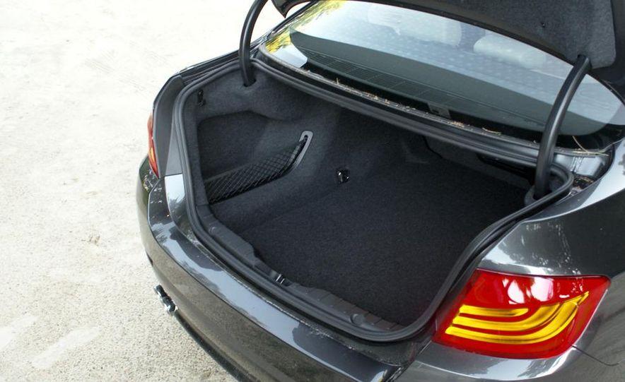 2011 BMW 528i - Slide 7