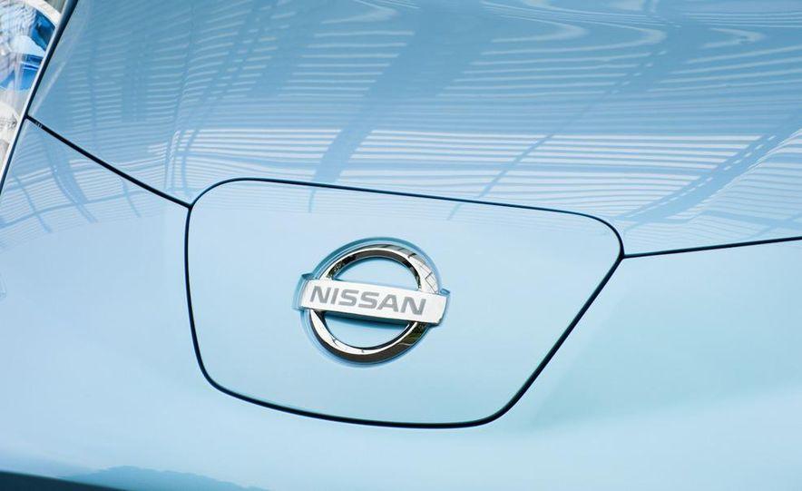 2011 Nissan Leaf SL - Slide 17