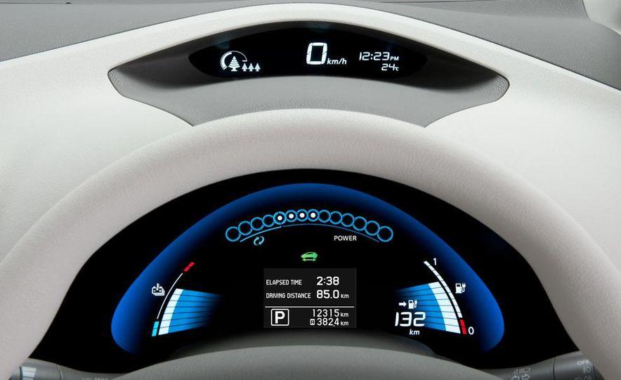 2011 Nissan Leaf SL - Slide 23
