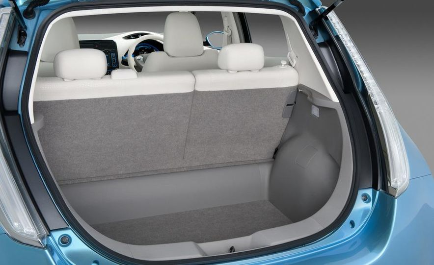 2011 Nissan Leaf SL - Slide 16