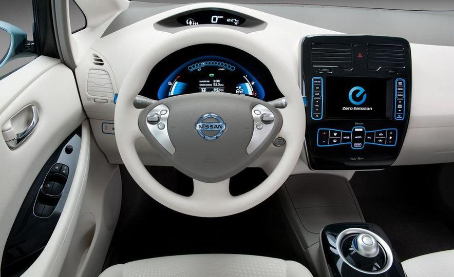 2011 Nissan Leaf SL - Slide 20
