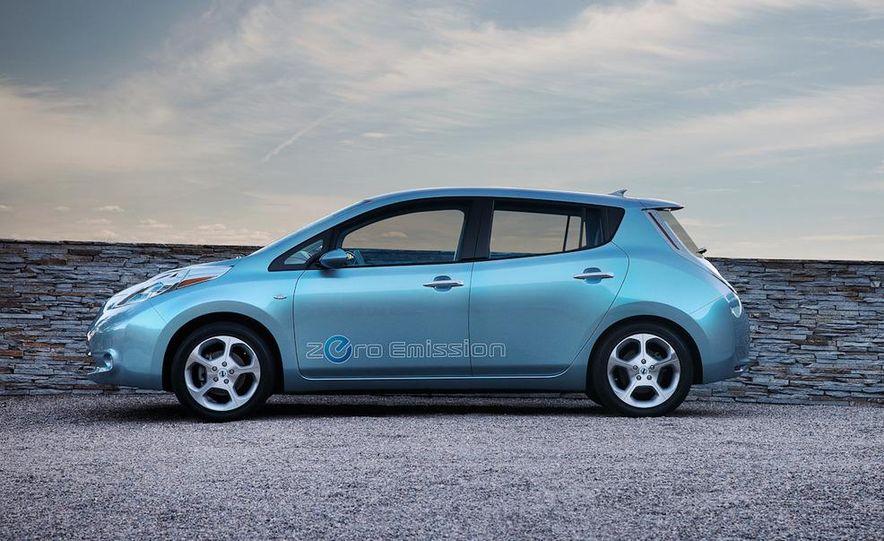 2011 Nissan Leaf SL - Slide 9