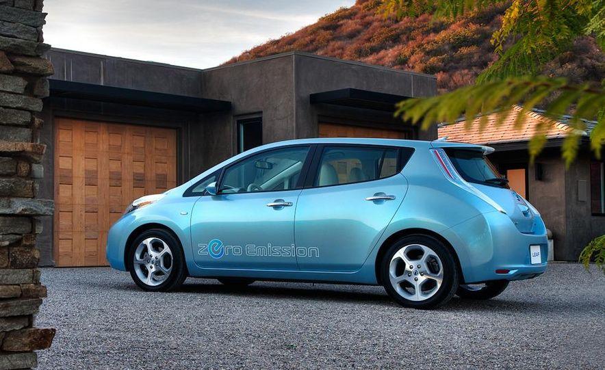 2011 Nissan Leaf SL - Slide 12