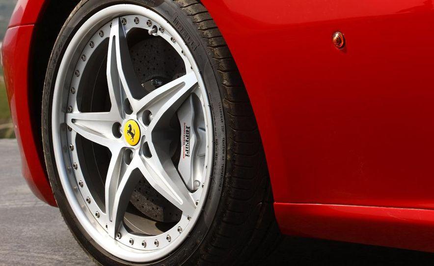 2012 Lexus LFA and 2011 Ferrari 599 HGTE - Slide 18