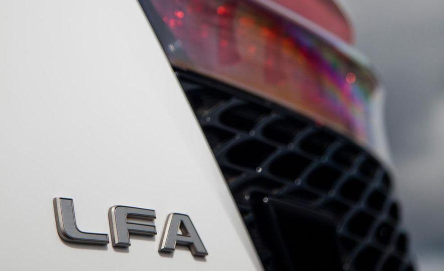 2012 Lexus LFA and 2011 Ferrari 599 HGTE - Slide 52