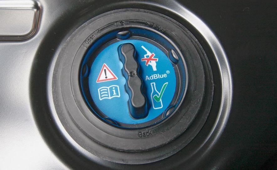 2011 Mercedes-Benz E350 BlueTec - Slide 23