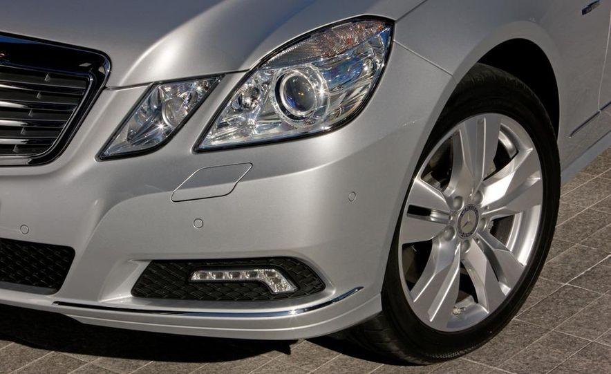 2011 Mercedes-Benz E350 BlueTec - Slide 14