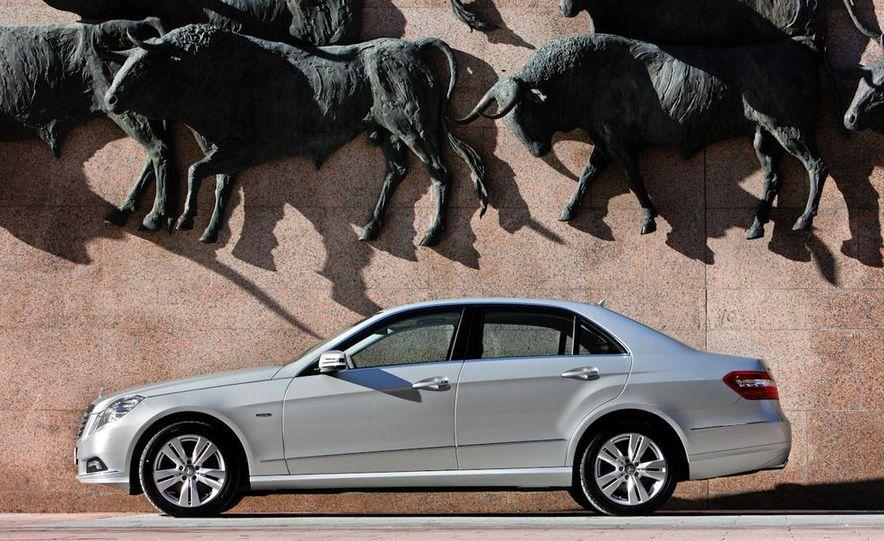 2011 Mercedes-Benz E350 BlueTec - Slide 9
