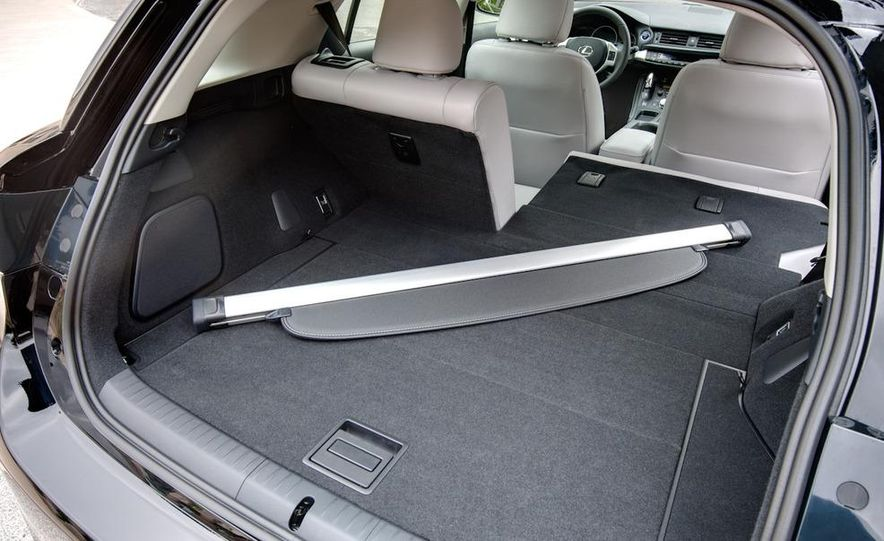 2011 Lexus CT200h - Slide 37