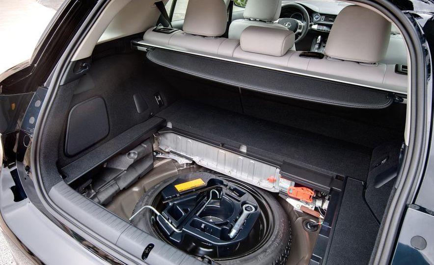 2011 Lexus CT200h - Slide 38