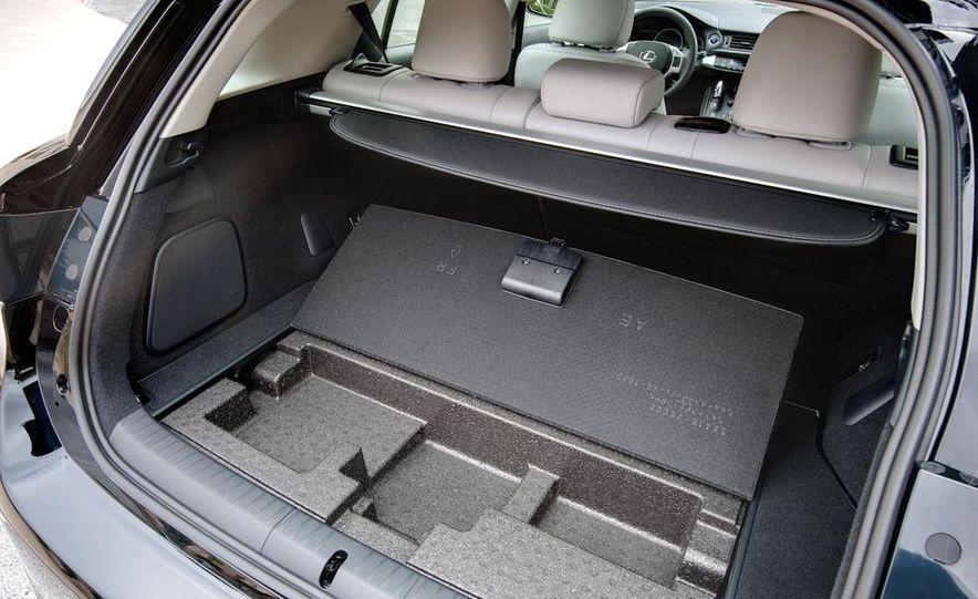 2011 Lexus CT200h - Slide 39