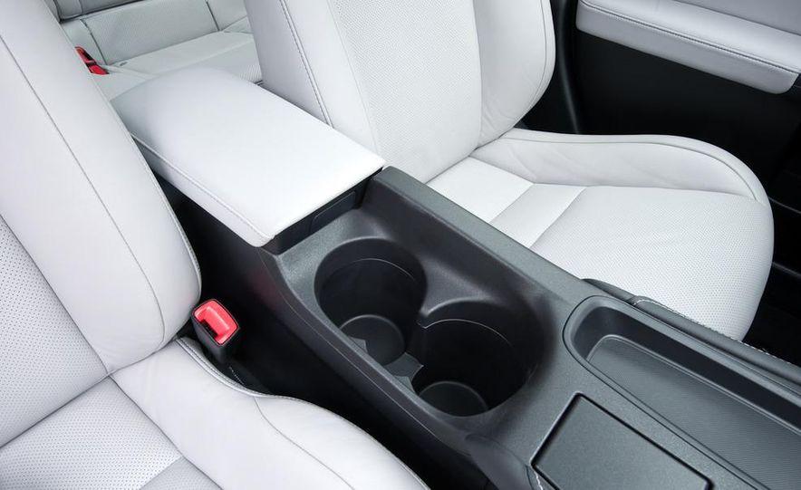 2011 Lexus CT200h - Slide 34