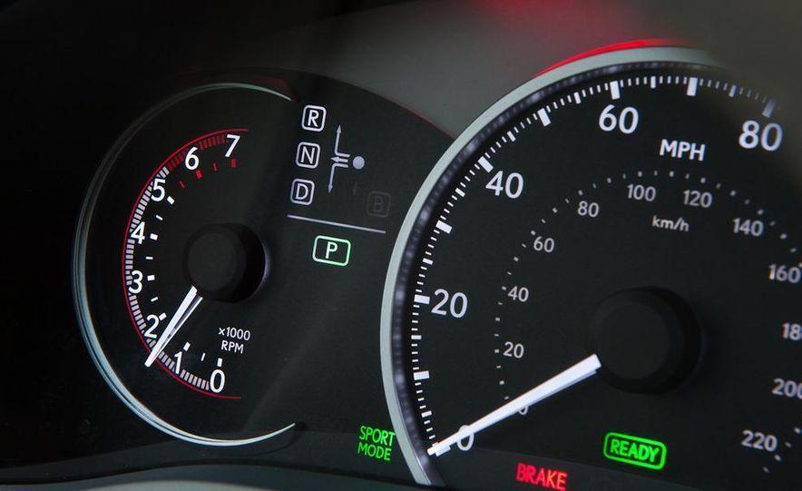 2011 Lexus CT200h - Slide 29