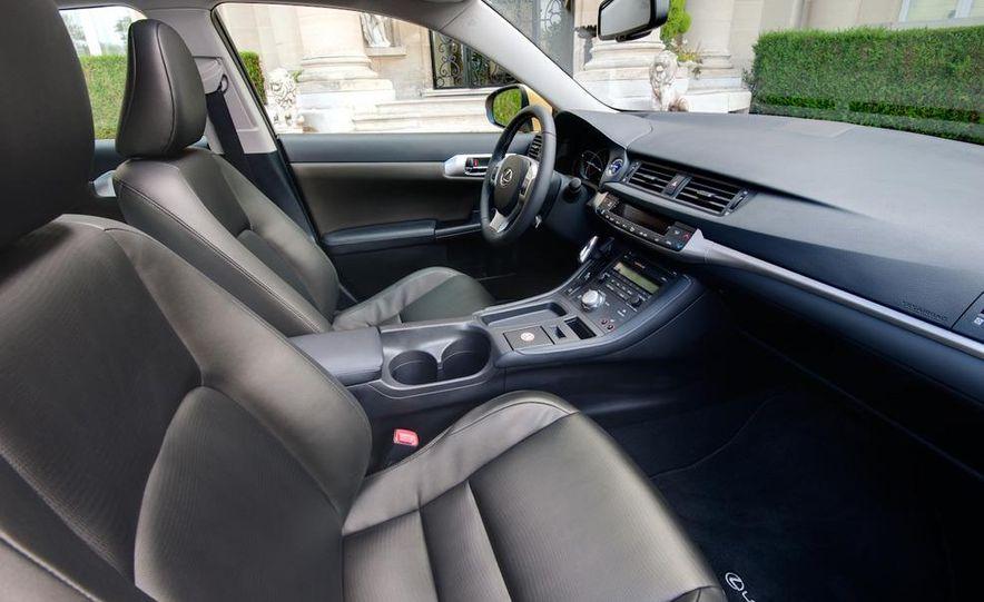2011 Lexus CT200h - Slide 36