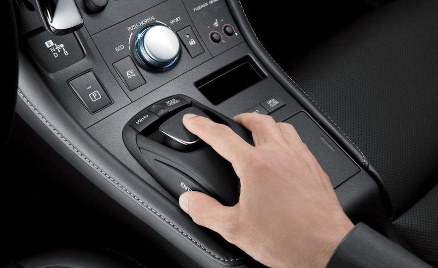 2011 Lexus CT200h - Slide 27