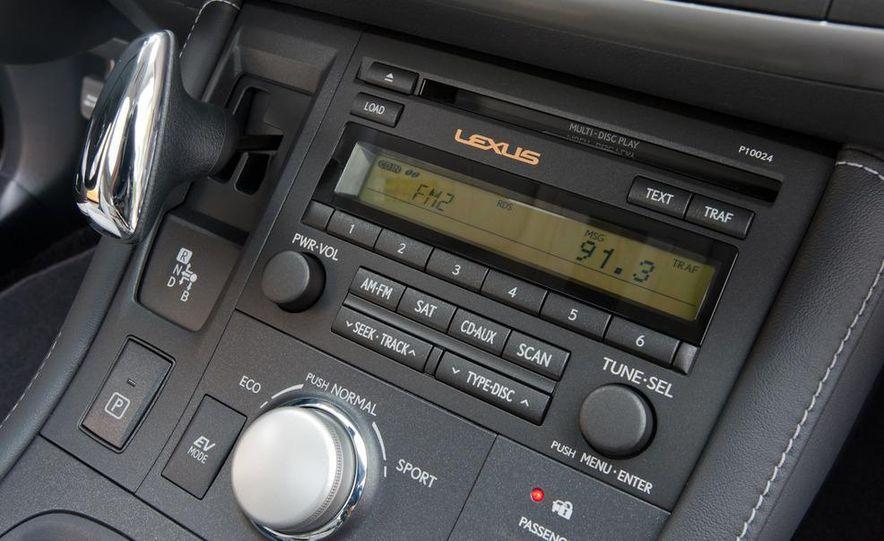 2011 Lexus CT200h - Slide 24