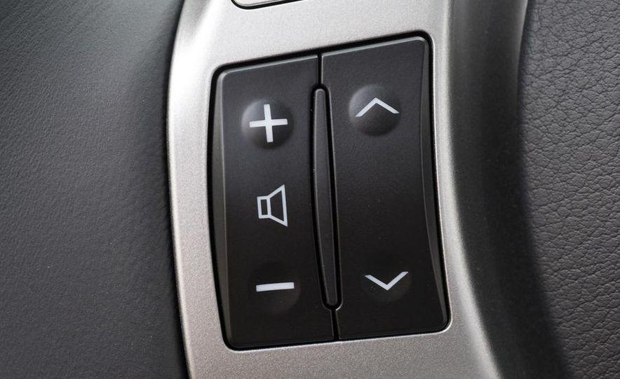 2011 Lexus CT200h - Slide 19