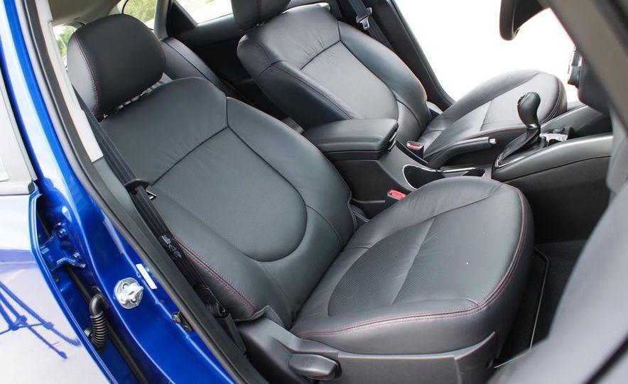 2011 Kia Forte SX 5-door - Slide 26