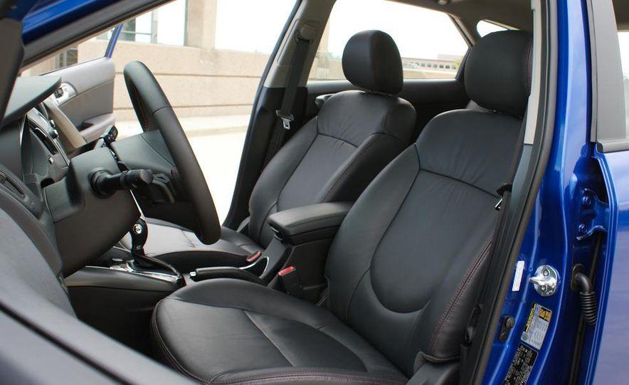 2011 Kia Forte SX 5-door - Slide 27