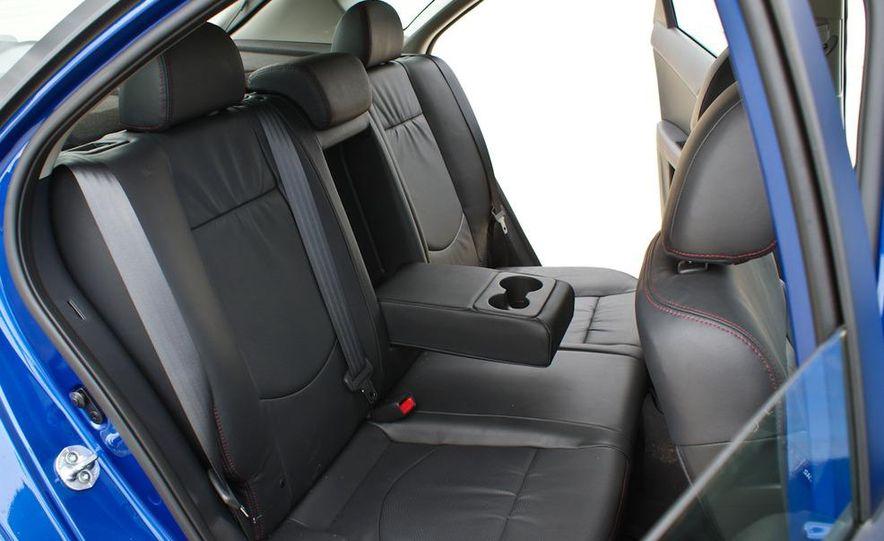 2011 Kia Forte SX 5-door - Slide 28