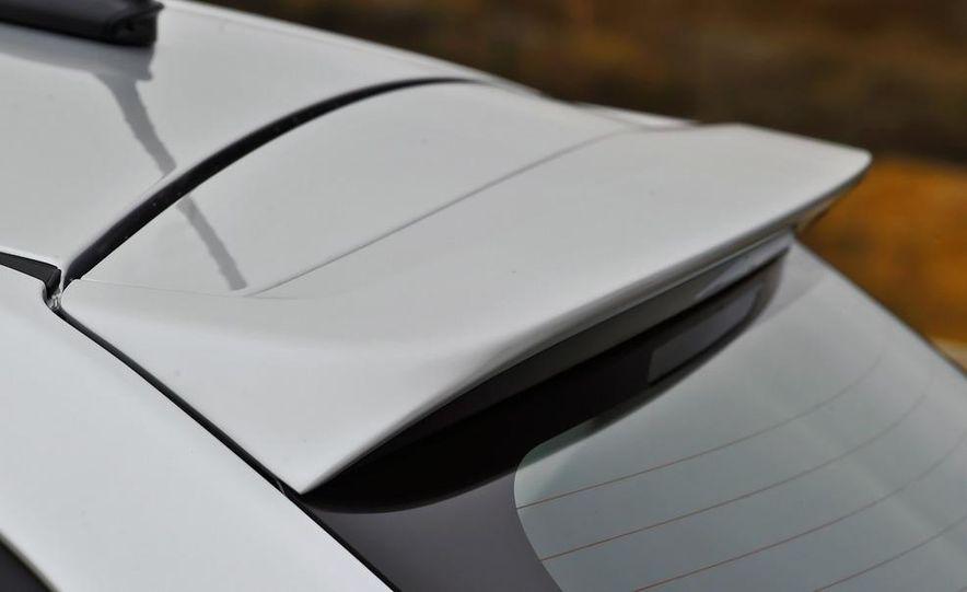 2011 Kia Forte SX 5-door - Slide 47