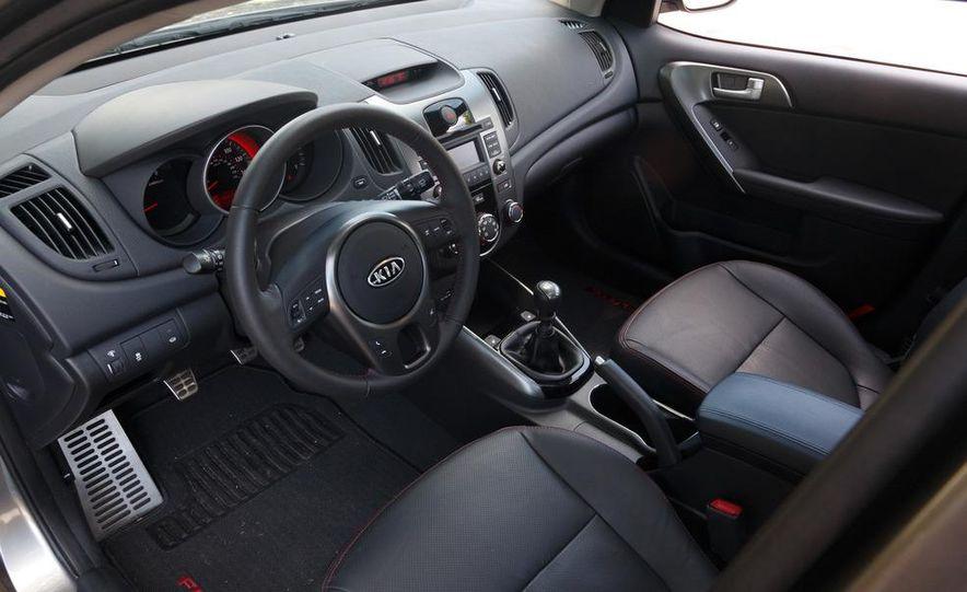 2011 Kia Forte SX 5-door - Slide 14