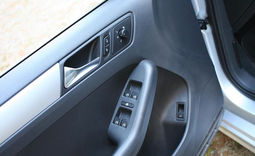 2011 Volkswagen Jetta TDI - Slide 15