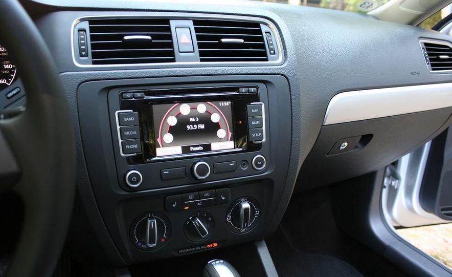 2011 Volkswagen Jetta TDI - Slide 17