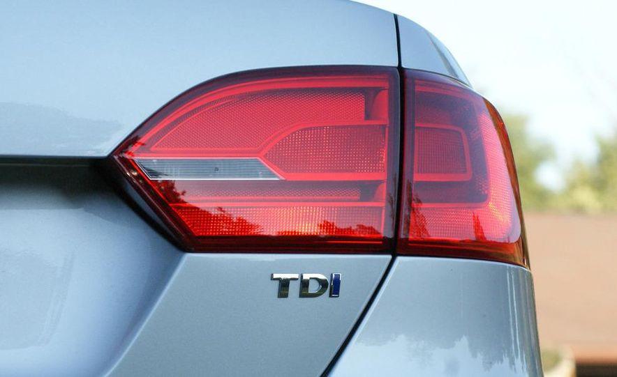 2011 Volkswagen Jetta TDI - Slide 6