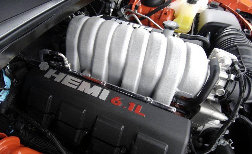 2011 Dodge Challenger SRT8 392 - Slide 28