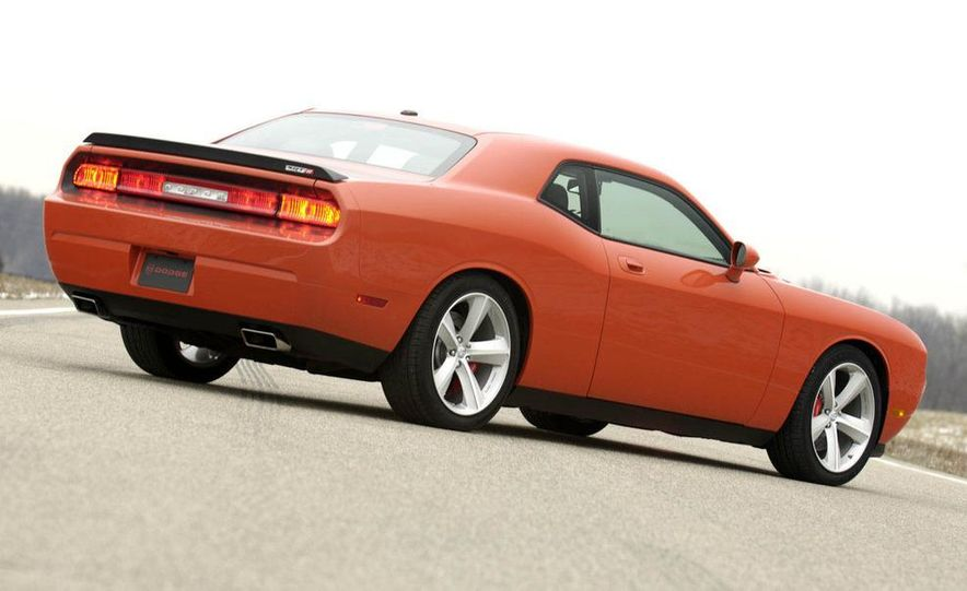 2011 Dodge Challenger SRT8 392 - Slide 15