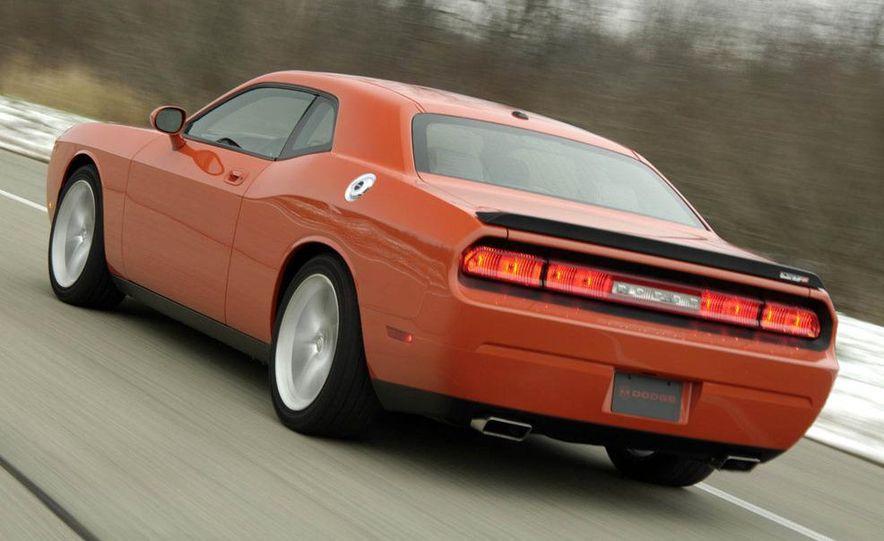 2011 Dodge Challenger SRT8 392 - Slide 17