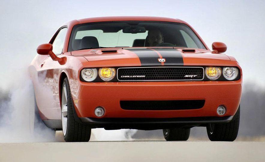 2011 Dodge Challenger SRT8 392 - Slide 18