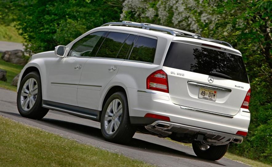 2011 Mercedes-Benz GL350 BlueTec 4MATIC - Slide 3