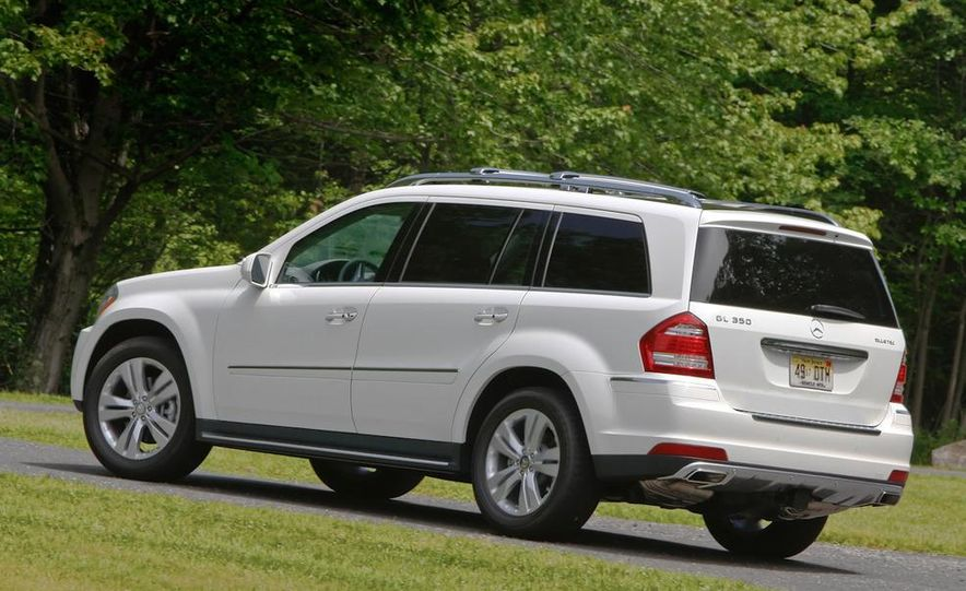 2011 Mercedes-Benz GL350 BlueTec 4MATIC - Slide 11
