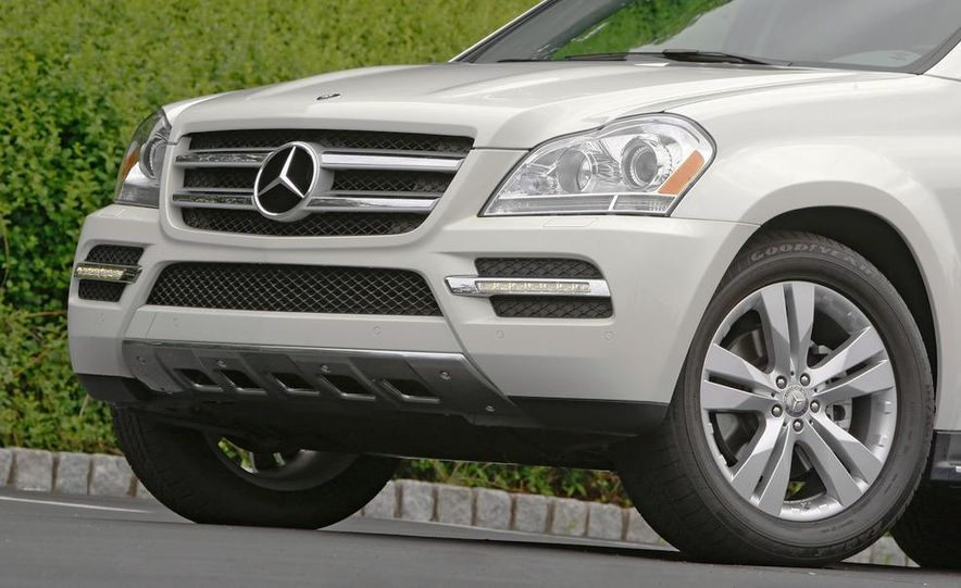2011 Mercedes-Benz GL350 BlueTec 4MATIC - Slide 18
