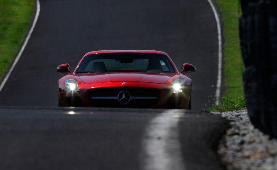 2012 Mercedes-Benz SLS AMG roadster - Slide 21