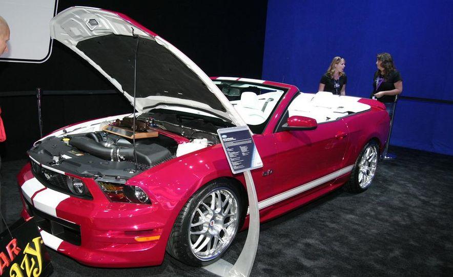 2010 SEMA show - Slide 257