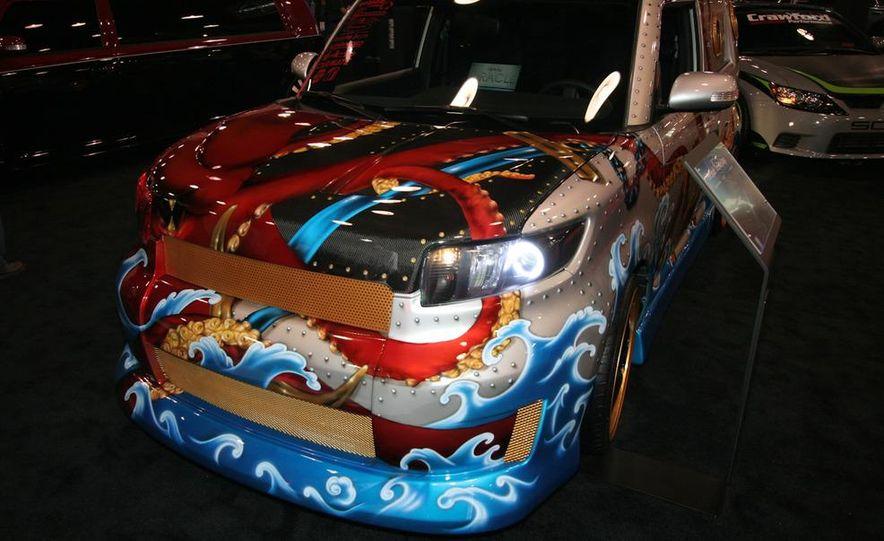 2010 SEMA show - Slide 346