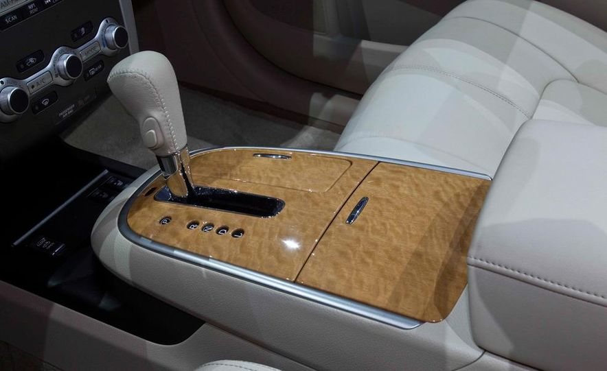 2011 Nissan Murano CrossCabriolet - Slide 15
