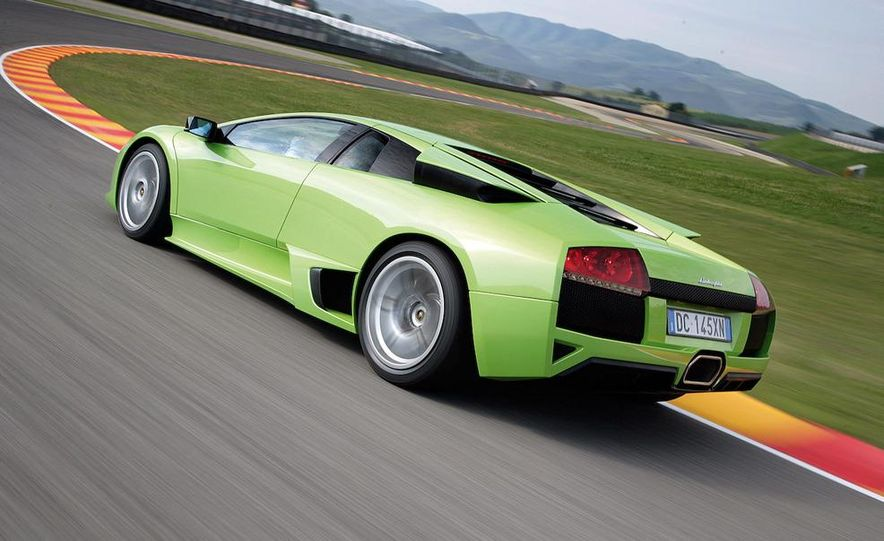 Lamborghini 6.5-liter V-12 engine - Slide 25