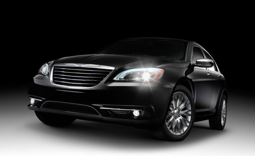2011 Chrysler 200 - Slide 16