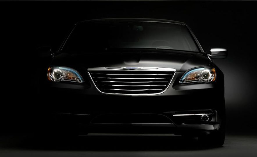 2011 Chrysler 200 - Slide 26