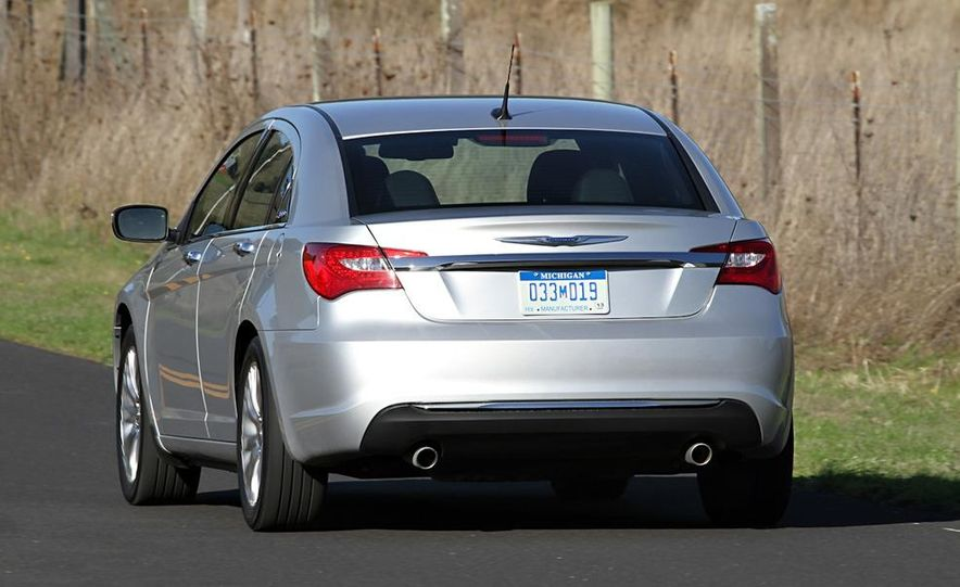 2011 Chrysler 200 - Slide 6